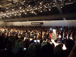 The crowd of London Fashion Week  © Branding Styles